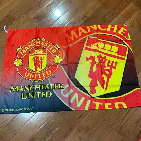 New Manchester United flag